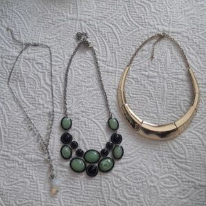 Set of 3 New York & Company necklaces